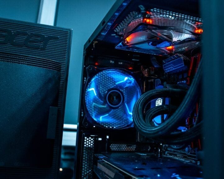 "alt=""what's the best gaming pc for world of warcraft? - gaming computer stock image""/>"